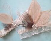 Peacock Wedding Garter Set, Ivory Lace Garter, Rustic Garter, Vintage Bridal Garters w/ Pearls & Feathers, Gatsby Bride Garters