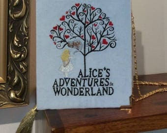Book-clutch Alice in Wonderland
