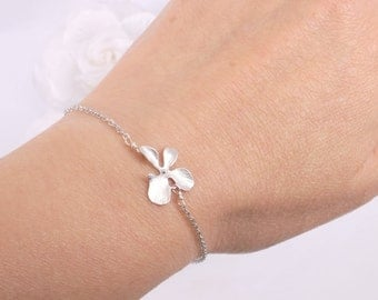 Matte Silver Orchid and freshwater pearl bracelet