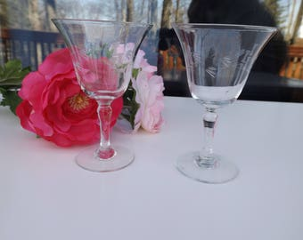 this listing is for a vintage set of 2 etched wine glasses etched leaves and - Etched Wine Glasses