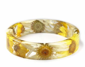 Daisy Bracelet -Real Dried Yellow Flower and Resin Bangle-White Flower Bracelet-White Jewelry -White Resin Jewelry-White Flower Jewelry