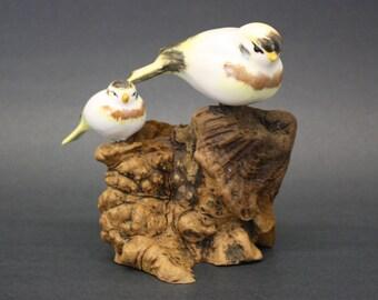 Vintage Pottery Birds on Wood Burl Stump (E8119)