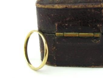 "18K Gold Wedding Band. Slender Gold Ring. 750 Germany. Engraved Name ""Don."" Vintage European Wedding Jewelry. SZ 6.5. Gold Stacking Ring."