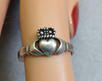 Vintage Irish Cladagh Sterling Silver Ring, Small Ring,   Size 4.75
