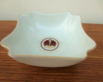 Porcelain decorative bowl by Georges Briard in Royale pattern.