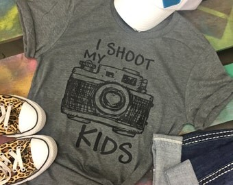 I SHOOT MY KIDS Camera Photography Soft gray shirt T-shirt Tee