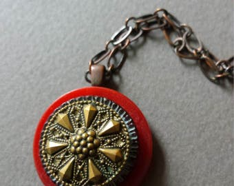 Vintage button necklace with gold starburst