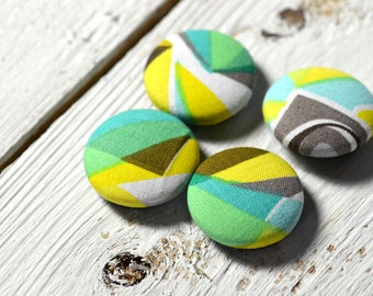 Fabric covered button magnets (4) –  Cotton Vintage Queen pattern - Strong magnets