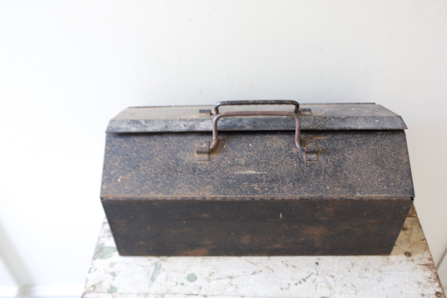 Industrial metal toolbox black tool box case tackle box for Black box container studios