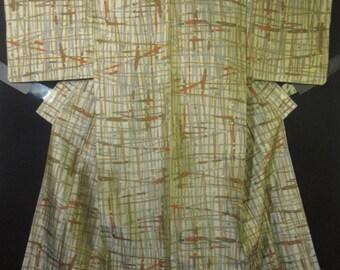 Vintage Mid Century Mod Japanese Kimono - Lt. Taupe Meisen Silk w/ Gray / Burnt Orange Abstract Cross-Hatch.