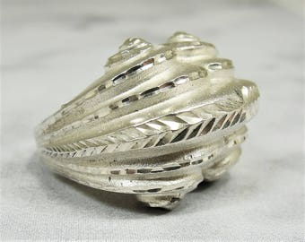 Unusual Chunky Silver Statement Ring High Relief Mystical Boho Sculptural Scrolls