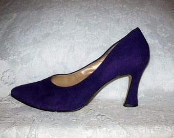 Vintage Ladies Purple Suede Leather Pumps by Calico Size 8 Only 9 USD