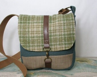 Kentucky -- Crossbody messenger bag // Vegan purse // Crossover // Field bag // Satchel // Sage // Plaid //Adjustable strap // Ready to ship