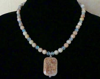 19 Inch Peach Crab Agate Pendant Necklace with Earrings