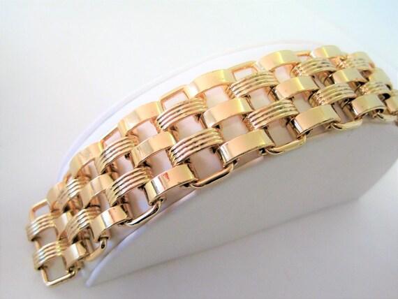 Gold Link Bracelet - Wide Links - Excellent Condition -