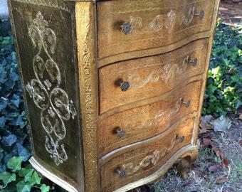 Vintage Gilt Italian Florentine Nightstand Dresser Gilt Furniture