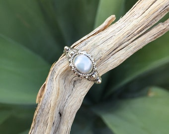 Genuine . Freshwater Pearl . Sterling Silver . Ring . Size 7