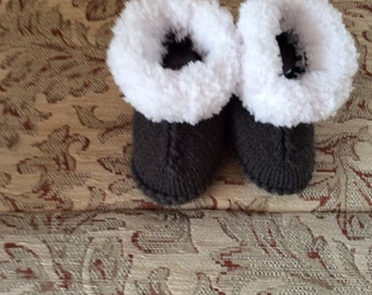 Hand knitted baby boottees