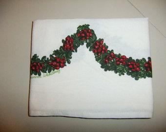 Vintage Swedish hand printed cotton tablecloth - Lingon berry wreath - Gunvor Wahlberg design