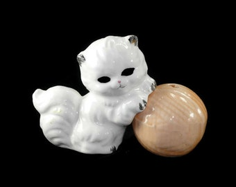 Vintage Kitten and Yarn Ball Salt and Pepper Shakers Ceramic Cat