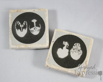KISS Minimalist Magnets | Set of Two