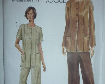 Very Easy Vogue Pattern 7753 for  Misses'/Misses' Petite Tunic and Pants in Sizes 8-10-12