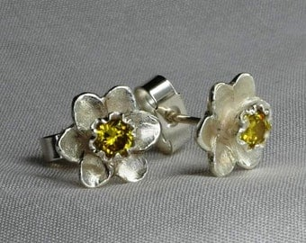 Daffodil earrings, flower earrings, silver earrings