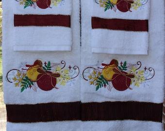 """Embroidered """"Christmas Blitz"""" Bath Towel Set"""