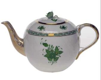 Elegant HEREND TEAPOT - 7.5 cup