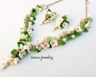 Green Jewelry Flower Jewelry Green White Floral Jewelry Handmade Necklace Earrings Flower Earrings Green Earrings Gift For Her Lilacs