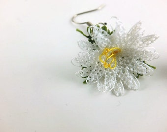 Tatted Lace Cream Flower Earrings - Crochet flower Earrings - Turkish Oya- Dangle Earrings - Crochet Jewelry