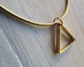 Necklace geometric triangle