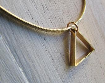Necklace geometric triangle