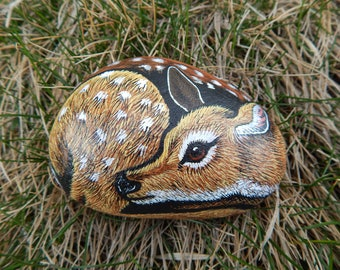 Fawn Painted Rock, Baby Animal Painted Rock, Deer Painting, Fawn Rock Art, Stone Fawn