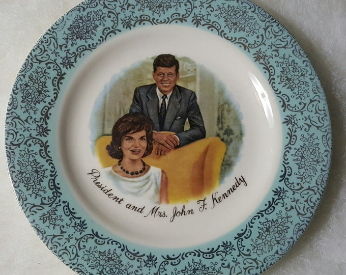 JFK and Jackie Onassis Small Collector Plate