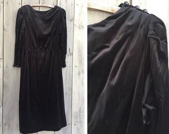 Vintage dress   1980s black velvet stretch knit long sleeve dress