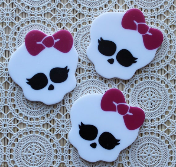 Large Flat back Cabochon 60 mm Laser Cut Skull With Hot Pink Bow