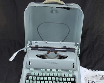 EXC 1963 HERMES 3000 Refurbished Green Portable Typewriter W/ WARR --- Elite