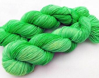 Handpainted Sock Yarn, 75 Wool  superwash, 25 Nylon 100g 3.5 oz.  Nr. 516