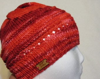 Knit Wool Beanie - Reds textured - medium (toddler - small child)