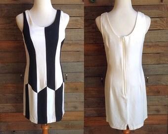 Vintage 1990's Mod Black and White Mini-Dress