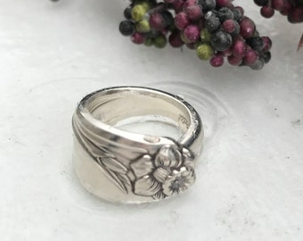 Sterling Silver Plate Spoon Ring Pattern: Daffodil circa 1950