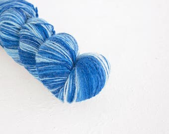 Artistic wool, laceweight art wool blue-white colors, Longstriped artistic wool. Aade Long -  Blue I