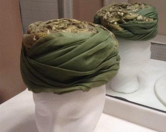 50s Green Pillbox Hat by Lilly Dache  /  Vintage Ladies Dache Hat  /  Formal Ladies Hat  /  Cheapvintagefashion
