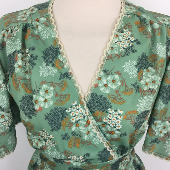 Maxi dress 1970s dress long flower power green UK 8 US 4 Abigails Party flowery hippy boho festival frock sage flared 70s