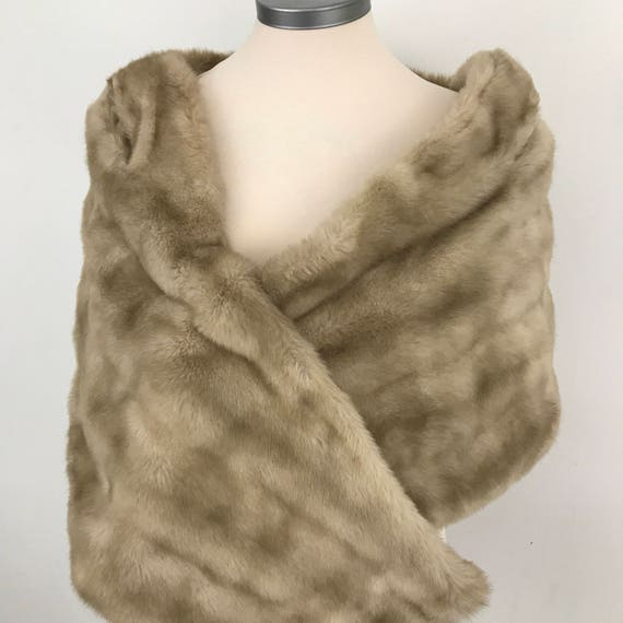 Faux fur wrap vintage fake mink furry shawl wide shoulder cover wedding prom party cocktail scarf glam evening accessory cream