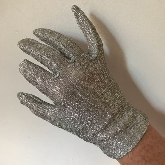 1950s evening glove silver stretch metallic sparkle lamè knit wrist length size 6.5 50s glam pin up 1960s shorties