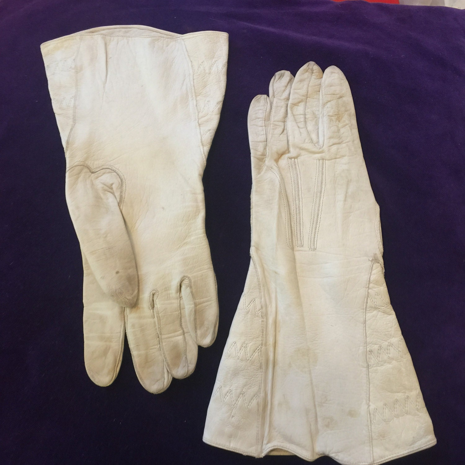 Leather gauntlet driving gloves - Vintage Leather Gauntlets Cream Gloves Motorcycle 6 5 Winter 1930s 1940s Motorcycle Riding Ladies Ww2 Uniform Short Fingers