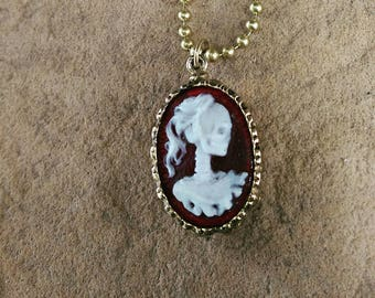 Skeleton Cameo