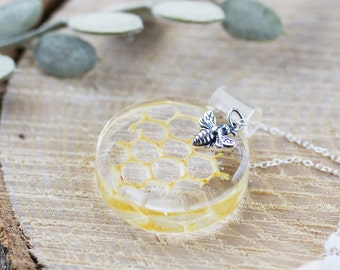Real Honeycomb Necklace - Sterling Silver - Gifts for Her , Genuine Honeycomb , Bee Jewelry , Bridemaids Gifts , Bee Necklace , Bee Keeper